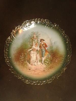 Limoges porcelain - File:Plato de porcelana de Limoges. Escena galante S. XIX,.jpg