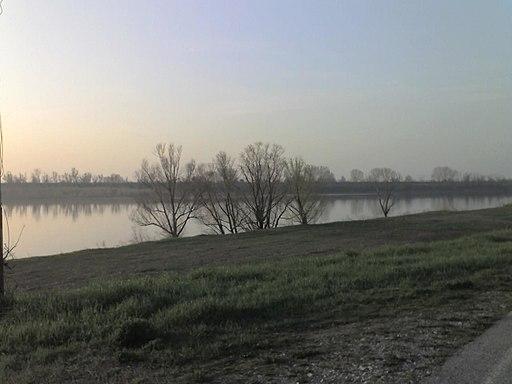 Po River Destra Po 3
