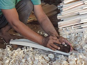 Cricket bat - Shaving a cricket bat