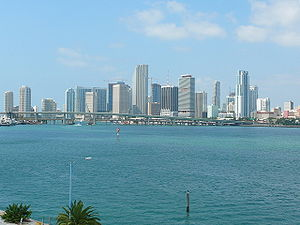 Florida State Road 886 - View of the Port Boulevard Bridge from the MacArthur Causeway Bridge; a partial view of the Downtown Miami skyline is in the background