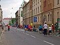 Pražský maraton, Vltavská, občerstvovací stanice.jpg