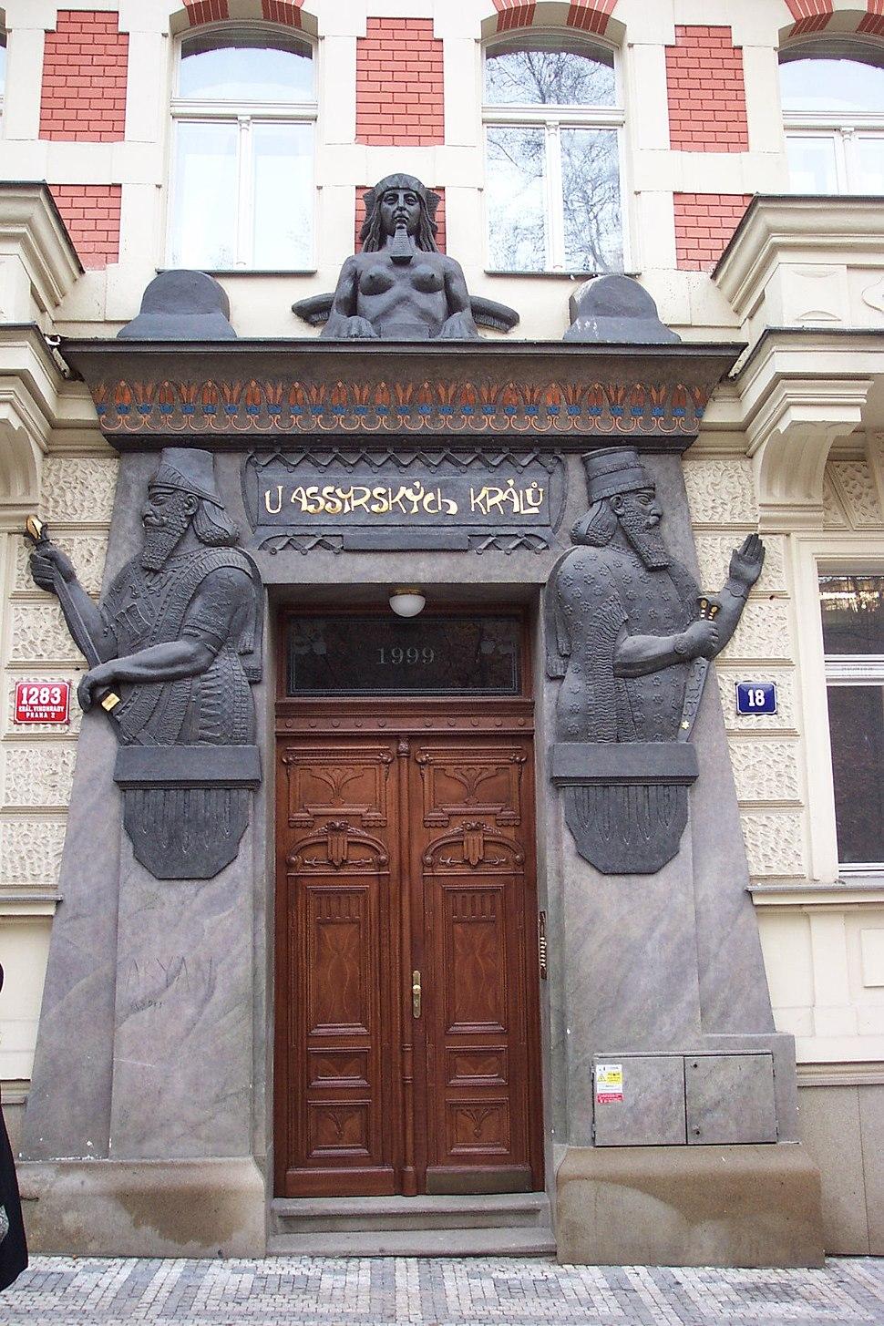Praha-Vinohrady, Polská 18, U assyrských králů