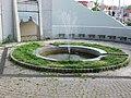 Praha Kobylisy fontana u metra.jpg