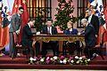 Presidenta participa en la ceremonia de firma de documentos junto al Presidente de la República Popular China, Xi Jinping. (30828855600).jpg