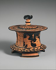 Attic red figure pyxis