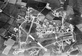 RAF Molesworth - Aerial photograph of RAF Molesworth, 9 May 1944