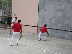 Rebot, série renvoie de la pelote après rebond sur le mur 3.JPG
