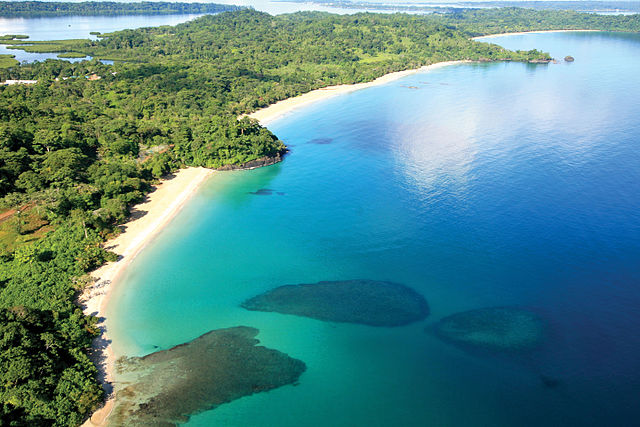 Red Frog Beach Island Resort Certified For Its: File:Red Frog Beach Island Resort.jpg