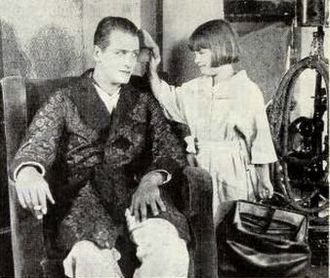 Reginald Denny (actor) - Denny and his daughter in 1922