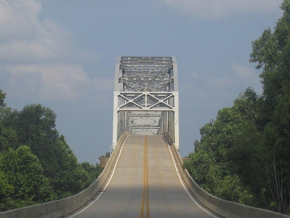 Revised bridge atop Red River in LA IMG 6337