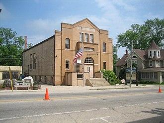Memorial Hall (Richmond, Illinois) - Image: Richmond Il Memorial Hall 8