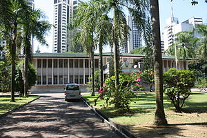English: Royal Thai Embassy in Singapore taken...