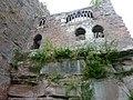 Ruines du château de Wasenbourg, coté gauche du château.jpg