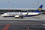 Ryanair, EI-FOI, Boeing 737-8AS (26516494011).jpg