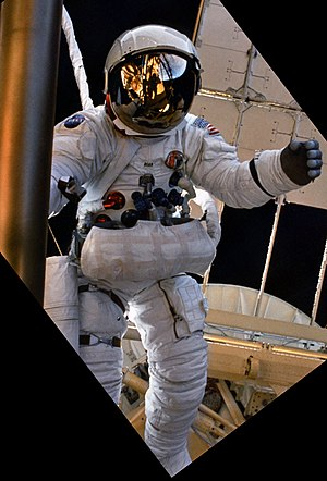 Apollo/Skylab A7L - Alan Bean wearing a Skylab A7L during a Skylab 3 EVA