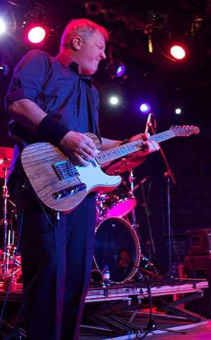 Dr. Feelgood (band) - Guitarist Steve Walwyn in Barcelona, 18 March 2009