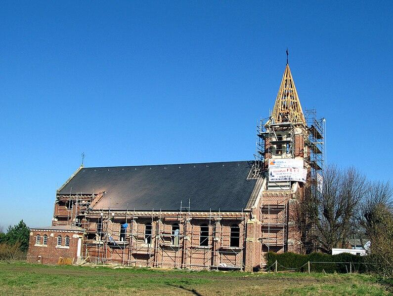 Saint-Fuscien (Somme, France) - L'église, qui est en cours de restauration en février 2008. . .   Camera location  49°50′11.62″N, 2°18′48.34″E  View this and other nearby images on: OpenStreetMap - Google Earth    49.836560;    2.313427