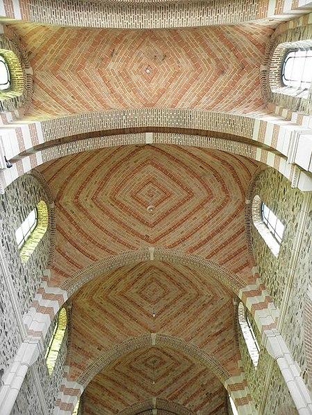 Voûtes de la nef principale de l'église de Saint-Malo-de-Phily (35).