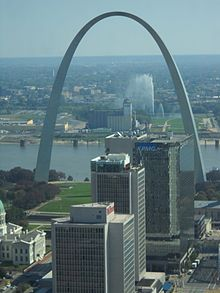 Saint Louis MO The Gateway Arch (2).JPG