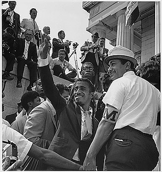 Political life of Frank Sinatra - Sammy Davis, Jr. at a 1963 Civil Rights Convention
