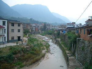Sandouping - Workers' neighborhood in Sandouping near the southern entrance to the Three Gorges Dam