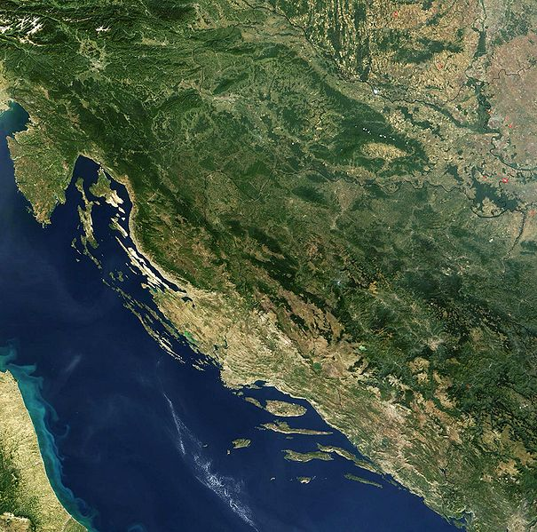 파일:Satellite image of Croatia in September 2003.jpg