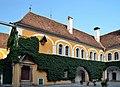Schloss Birkenstein 03 - court.jpg