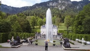 File:Schloss Linderhof fountain.webm