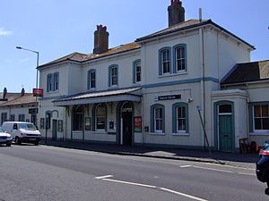 Seaford (Sussex) railway station - Image: Seaford railway station building in 2009