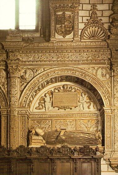 Sepulcro de Enrique III en la capilla de los Reyes Nuevos de la Catedral de Toledo.