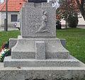 Sered relief na Pamatnik padlym v prvej svetovej vojne1.jpg