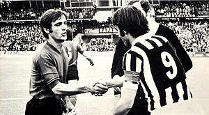Pietro Anastasi - Anastasi (no. 9) in 1975, as captain of Juventus, with Ternana captain Fernando Benatti.