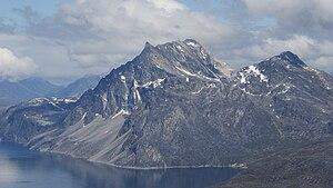 Sermitsiaq (mountain) - Aerial view of Sermitsiaq from the southwest