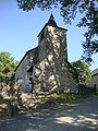 Sibas (Alos-Sibas-Abense, Pyr-Atl, Fr) L'église dans l'ombre des arbres.JPG