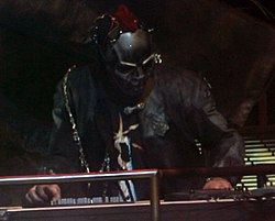 Wilson performing with Slipknot in 2008