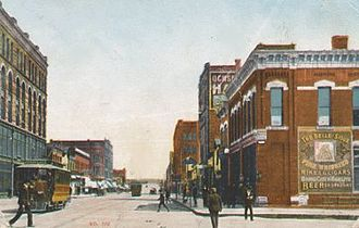 History of Sioux City, Iowa - Sioux City at the start of the 1900s; Fourth Street, looking east from Virginia.