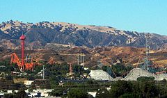 Six Flags Magic Mountain overview (cropped).jpg