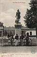 Statue et quartier Larrey - Tarbes CIPA0828.jpg