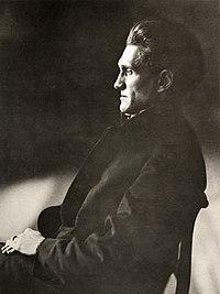 Stefan George 1910 Foto Jakob Hilsdorf.jpg