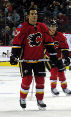 Steve Staios - Staios warming up during his tenure with the Calgary Flames.