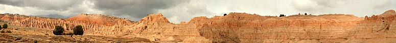 Geological formations at Cathedral Gorge Start Park
