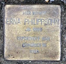 Photo of Erna Philippsohn brass plaque