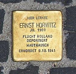 Photo of Ernst Morits Martin Horwitz brass plaque