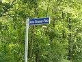 Straßenschild Anna-Strasser-Platz.JPG