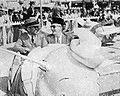 Sukarno and Jack Lynch at Disneyland, Aneka Amerika 102 (1957), p32.jpg