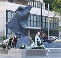 Szethlo Gábor szobra Budapest Deák tér IV.JPG