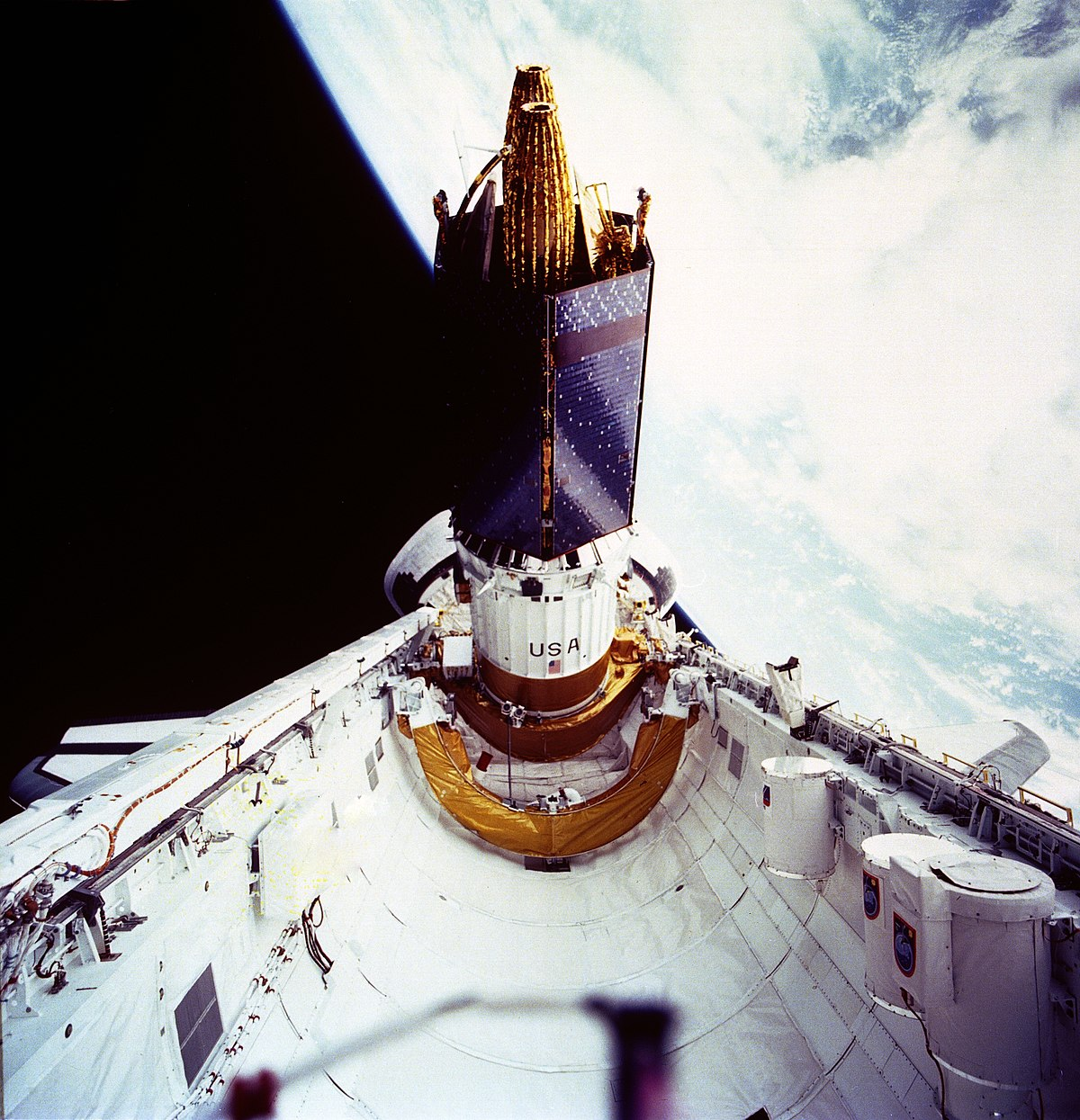 spacecraft and space shuttle difference - photo #25