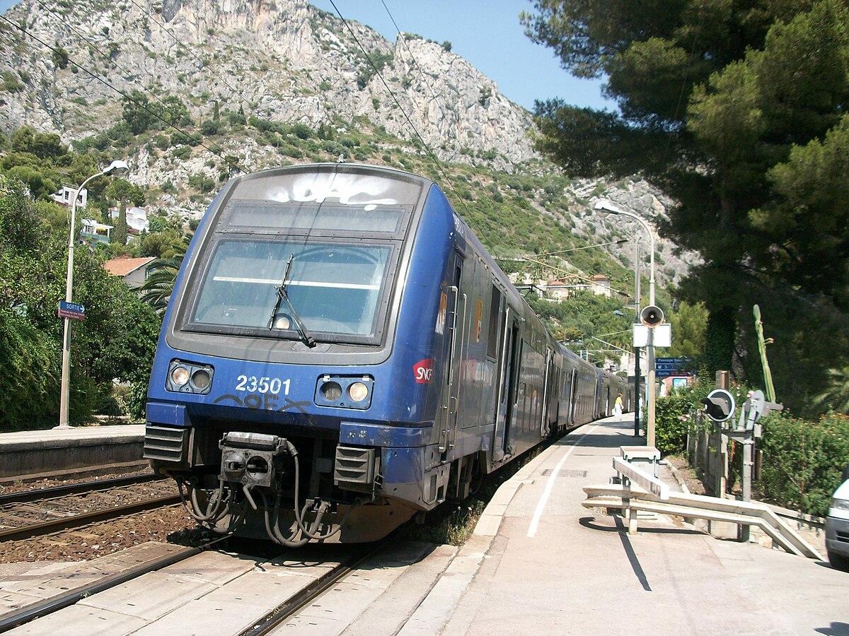 Ter provence alpes c te d 39 azur wikip dia for Train marseille salon de provence
