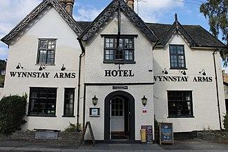 Llanrhaeadr-ym-Mochnant - Image: Tafarn y Wynnstay Arms Pub, Llanrhaeadr ym Mochnant, Powys 05