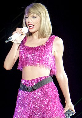 Taylor Swift 112 (18119055110) (cropped).jpg